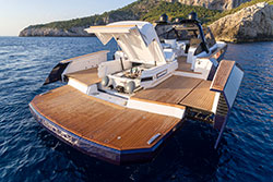 EVO Yachts exteriores