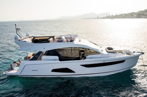 PROBRAVA Sealine FLYBRIDGE F 530